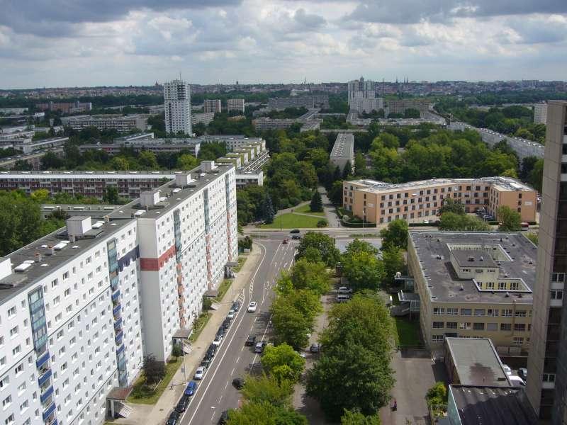Blick über Halle Neustadt